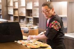 15_Opening Restaurant Eetse